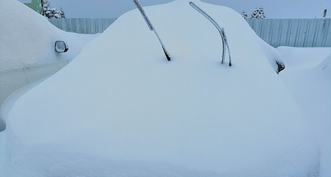 Uludağ'da yoğun kar...Otomobiller kayboldu