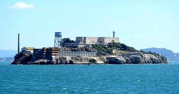 Dünyanın en gizemli adası...