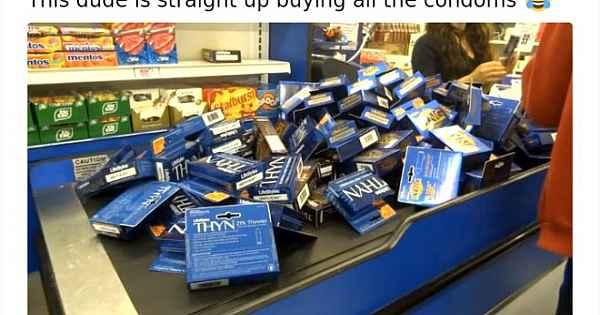 ABD marketlerinden ilginç koronavirüs manzaraları... Onlarca kondom aldı