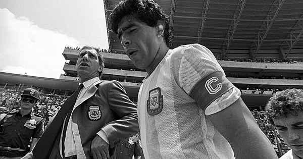 Diego Armando Maradona'nın vefatı sonrası spor dünyası yasta