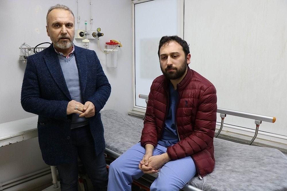 2019/01/acil-servis-karisti-hasta-yakini-doktoru-darp-etti-20190112AW59-2.jpg