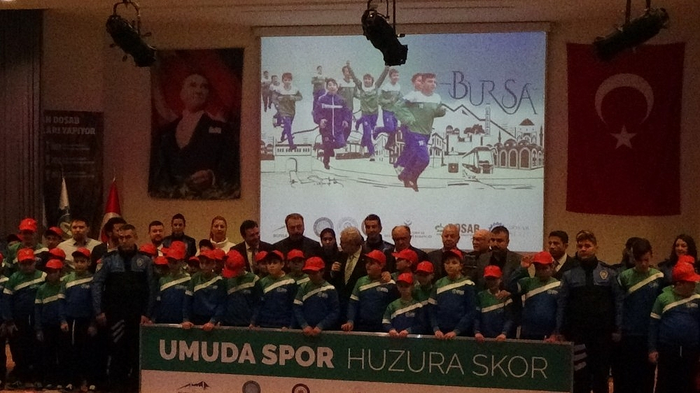 2019/01/bursa-polisinden-umuda-spor-huzura-skor---bursa-haber-20190112AW59-5.jpg