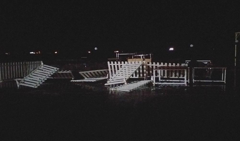 2019/01/marmarada-siddetli-lodos-dalgalarin-boyu-6-metreyi-gecti-20190110AW59-4.jpg