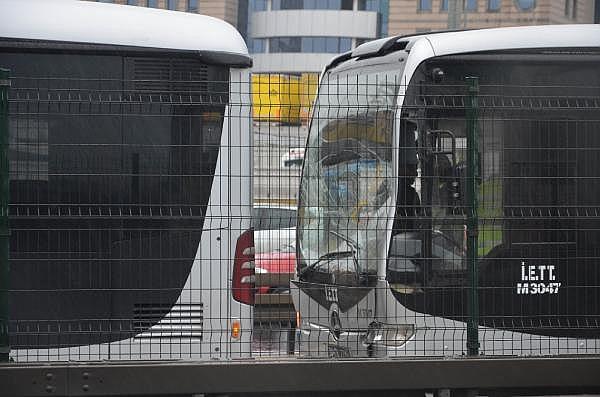 2019/02/beylikduzune-giden-metrobusler-carpisti-23f13ca699d1-1.jpg