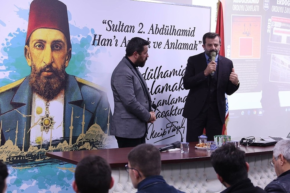 2019/02/gursu-belediyesinden-ulu-hakan-abdulhamid-han-konferansi---bursa-haberleri-20190212AW62-1.jpg
