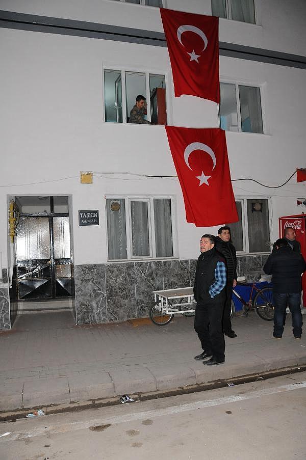 2019/02/istanbulda-dusen-helikopter-kazasinda-eskisehire-sehit-atesi-dustu-4d54ea51096a-1.jpg