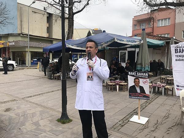 2019/03/bagimsiz-aday-doktor-kiyafeti-ile-miting-yapti-tansiyon-olctu---bursa-haberleri-f6deb06935a9-3.jpg
