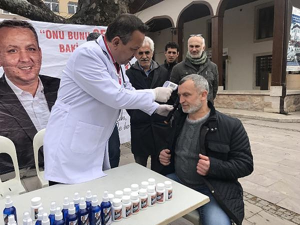 2019/03/bagimsiz-aday-doktor-kiyafeti-ile-miting-yapti-tansiyon-olctu---bursa-haberleri-f6deb06935a9-5.jpg