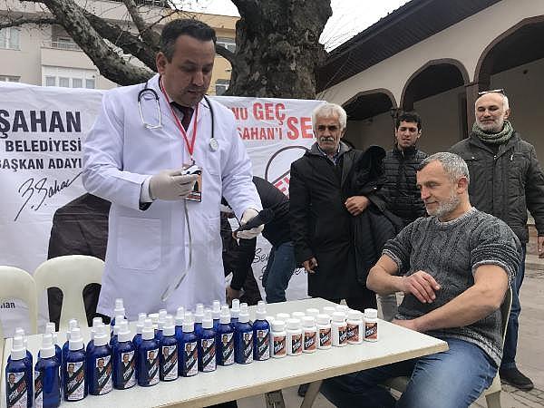 2019/03/bagimsiz-aday-doktor-kiyafeti-ile-miting-yapti-tansiyon-olctu---bursa-haberleri-f6deb06935a9-8.jpg