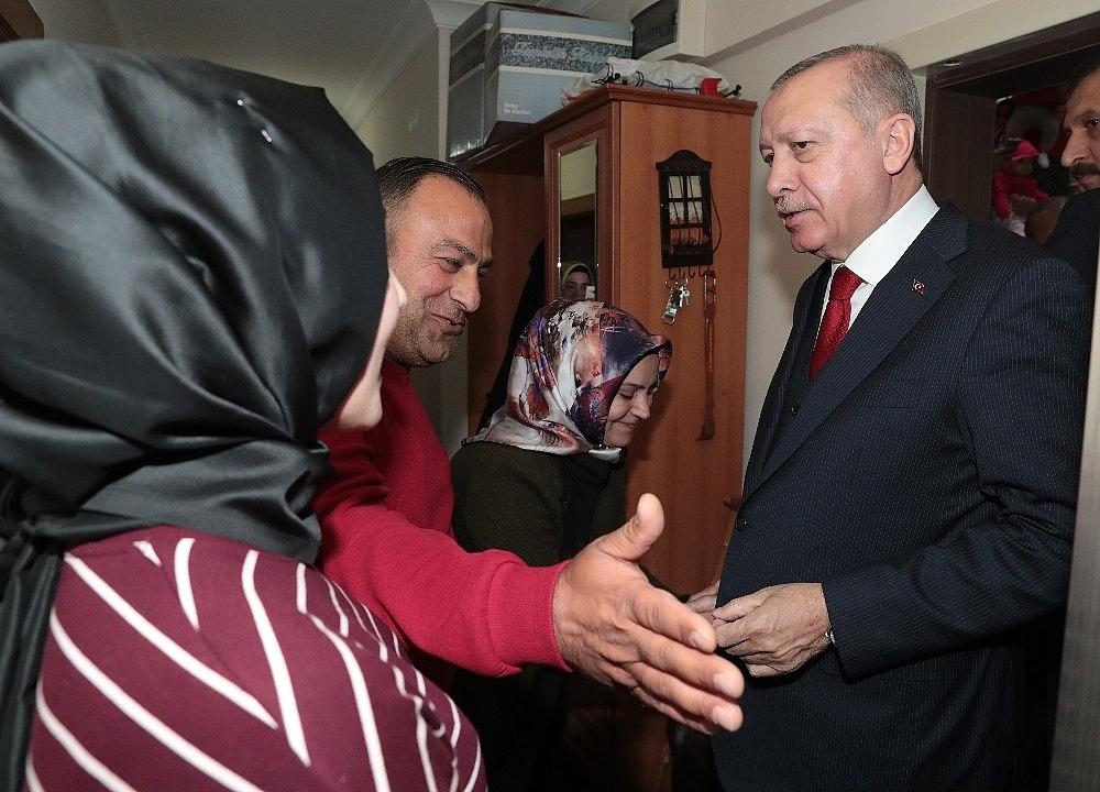 2019/03/cumhurbaskani-erdogandan-cat-kapi-cay-ziyareti-20190313AW64-4.jpg