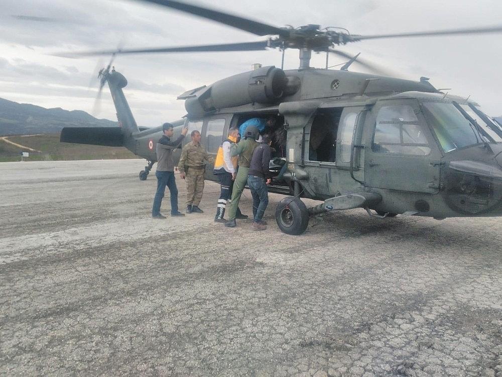 2019/04/9-aylik-bebegin-imdadina-askeri-helikopter-yetisti-20190414AW67-1.jpg