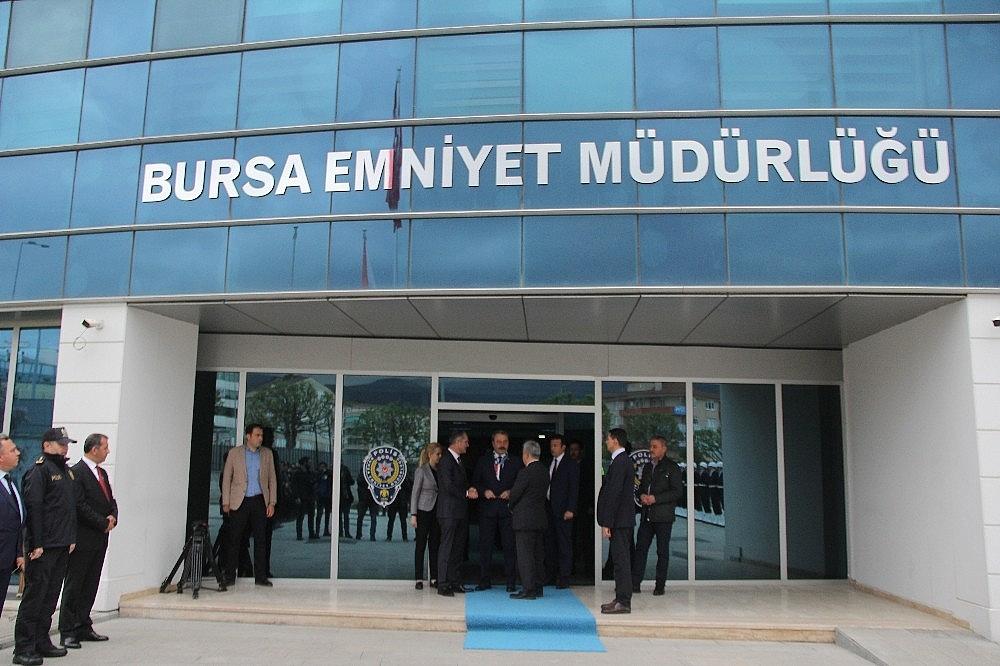 2019/04/bursa-il-emniyet-muduru-osman-ak-veda-etti---bursa-haberleri-20190415AW67-7.jpg