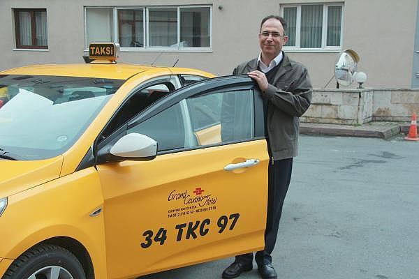 2019/04/taksisinde-30-bin-euro-unutuldu-sahibine-teslim-etti-d62e9ccb4222-1.jpg