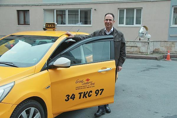 2019/04/taksisinde-30-bin-euro-unutuldu-sahibine-teslim-etti-d62e9ccb4222-5.jpg