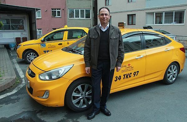 2019/04/taksisinde-30-bin-euro-unutuldu-sahibine-teslim-etti-d62e9ccb4222-6.jpg