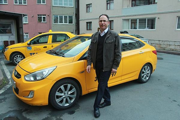 2019/04/taksisinde-30-bin-euro-unutuldu-sahibine-teslim-etti-d62e9ccb4222-7.jpg