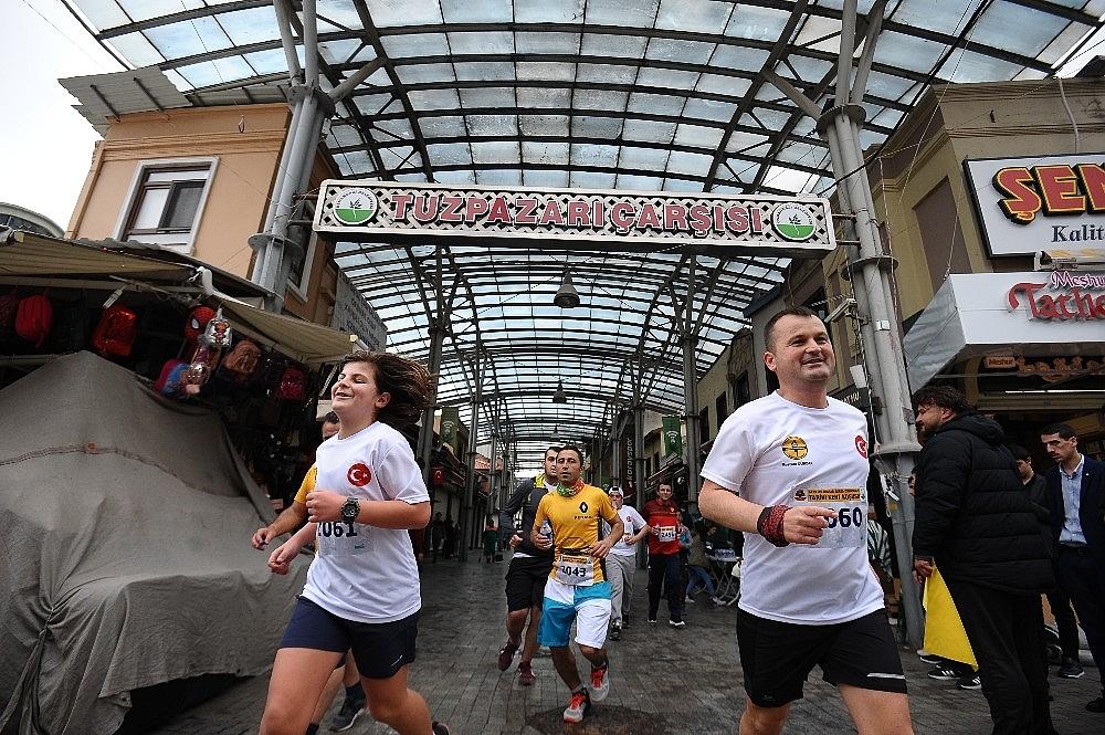 2019/04/tarihi-maratona-kenyali-damgasi---bursa-haberleri-20190414AW67-12_1.jpg