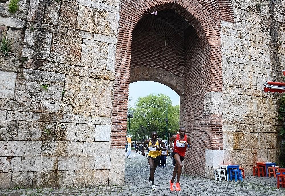 2019/04/tarihi-maratona-kenyali-damgasi---bursa-haberleri-20190414AW67-16.jpg