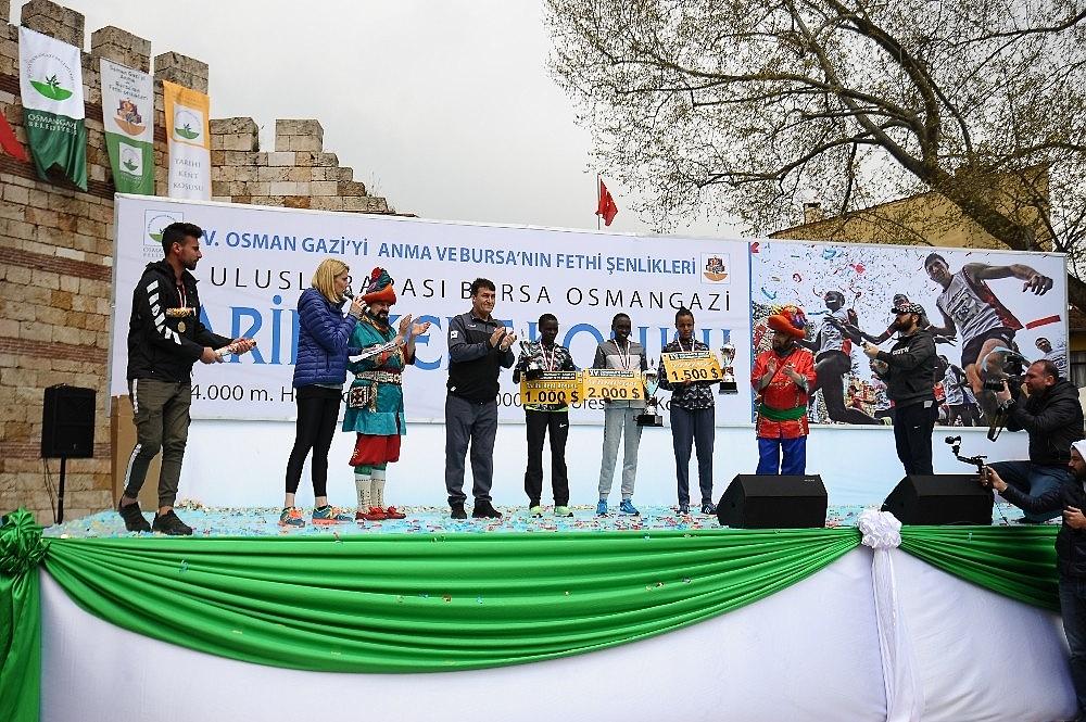 2019/04/tarihi-maratona-kenyali-damgasi---bursa-haberleri-20190414AW67-17.jpg