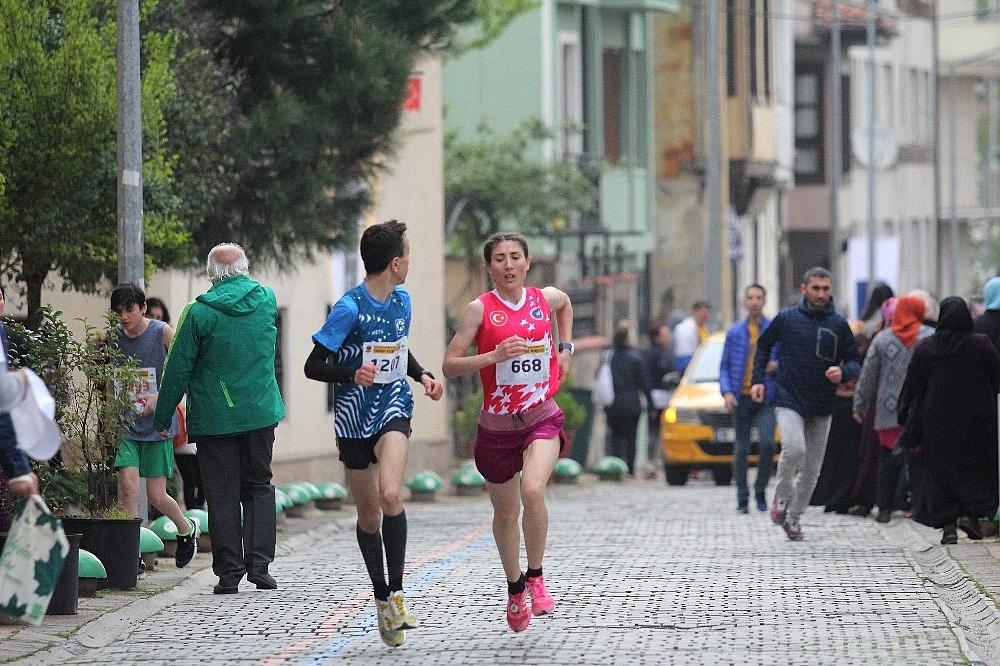 2019/04/tarihi-maratona-kenyali-damgasi---bursa-haberleri-20190414AW67-19.jpg