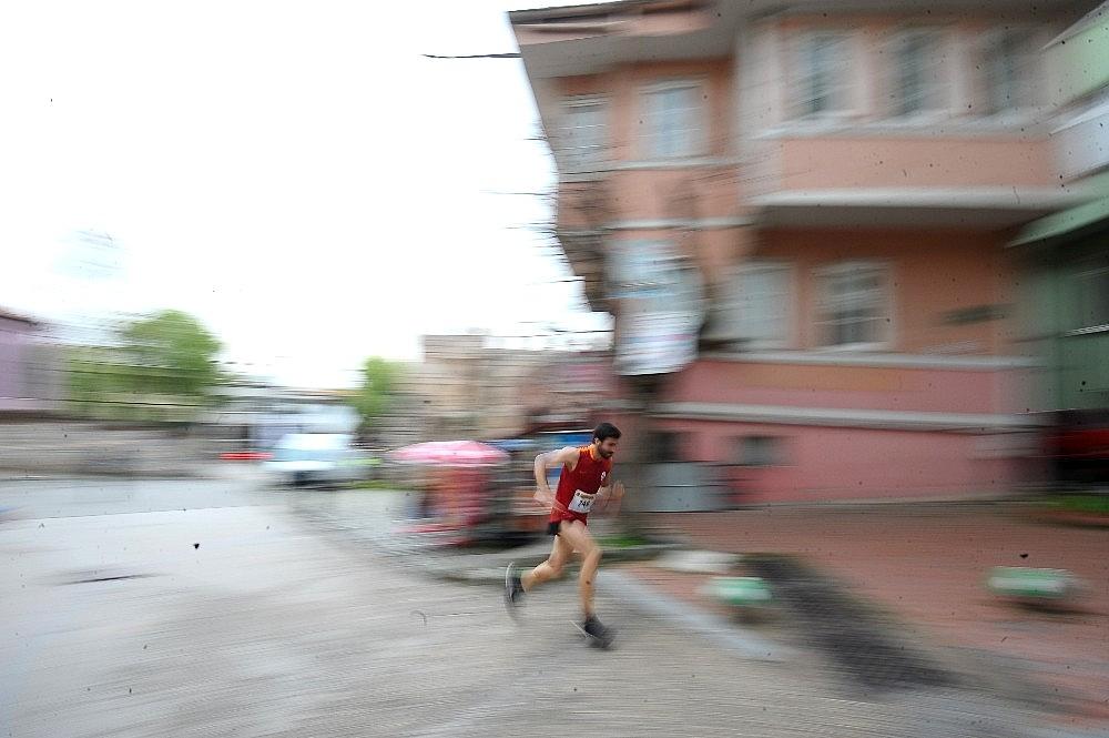 2019/04/tarihi-maratona-kenyali-damgasi---bursa-haberleri-20190414AW67-2_1.jpg
