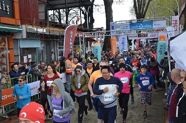 2019/04/turkiyenin-en-buyuk-maraton-yarisi-iznik-ultra-sona-erdi---bursa-haberleri-968d17cb3c49-4.jpg