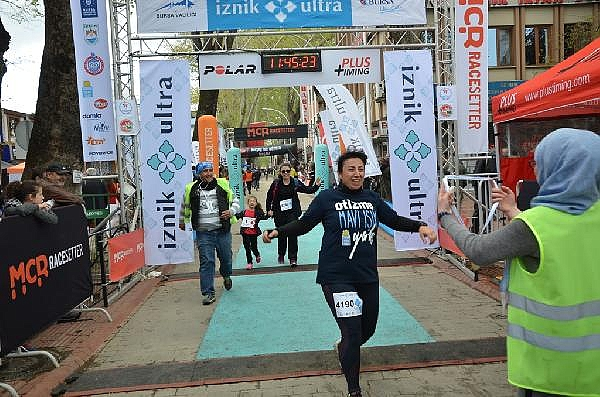 2019/04/turkiyenin-en-buyuk-maraton-yarisi-iznik-ultra-sona-erdi---bursa-haberleri-968d17cb3c49-6.jpg