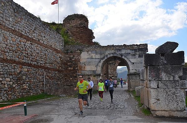 2019/04/turkiyenin-en-buyuk-maraton-yarisi-iznik-ultra-sona-erdi---bursa-haberleri-968d17cb3c49-7.jpg