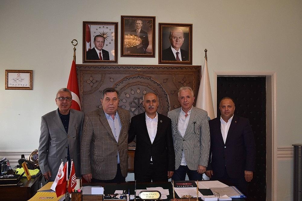 2019/05/baskan-aydin-futbol-camiasini-agirladi---bursa-haberleri-20190516AW70-2.jpg