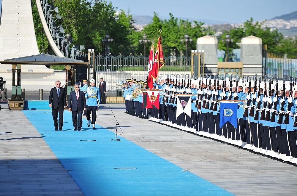2019/05/cumhurbaskani-erdogan-abdulmehdiyi-resmi-toren-ile-karsiladi-20190515AW70-3.jpg
