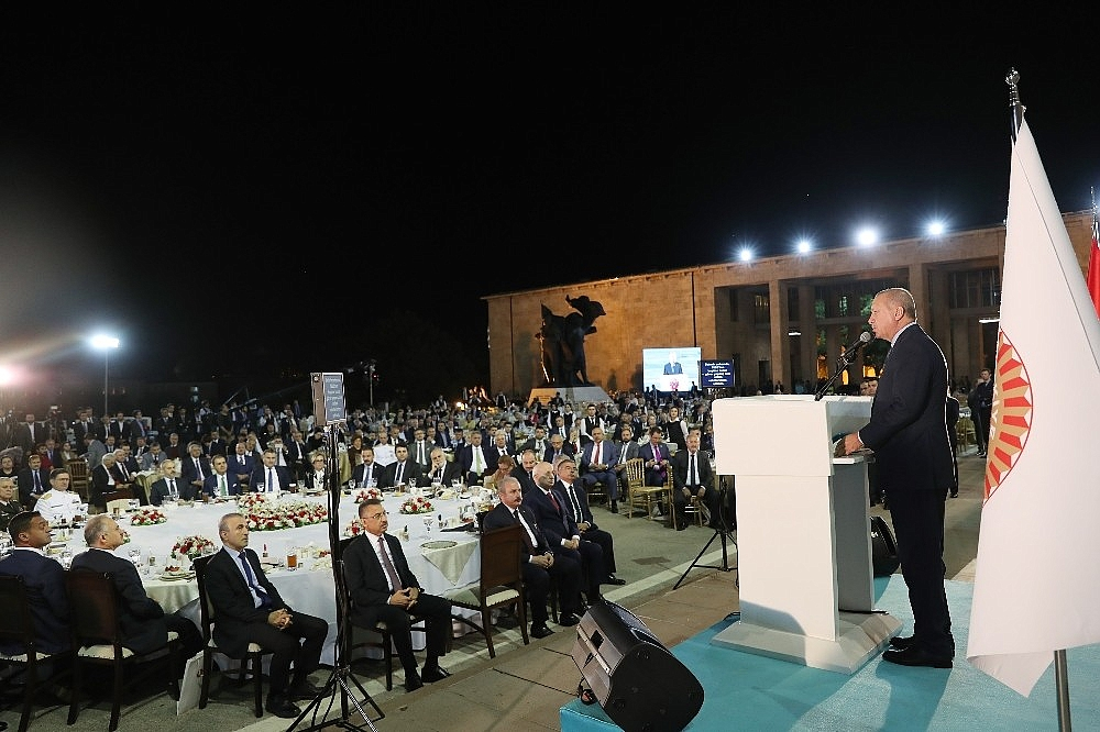 2019/05/cumhurbaskani-erdogan-gelin-buyuk-ve-guclu-turkiyeyi-birlikte-insa-edelim-20190521AW70-11.jpg