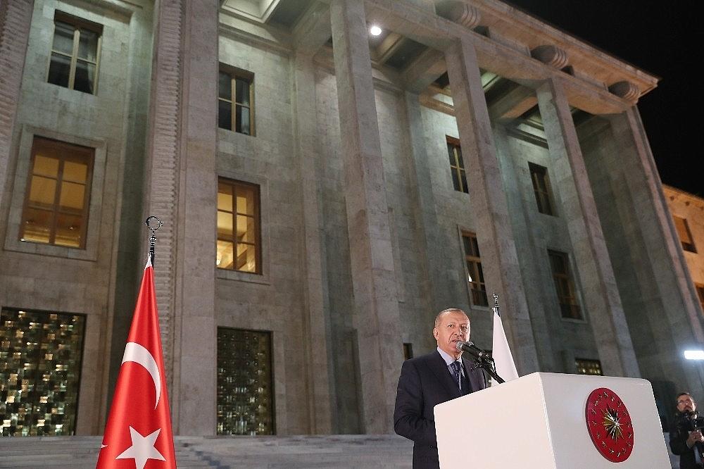 2019/05/cumhurbaskani-erdogan-gelin-buyuk-ve-guclu-turkiyeyi-birlikte-insa-edelim-20190521AW70-12.jpg