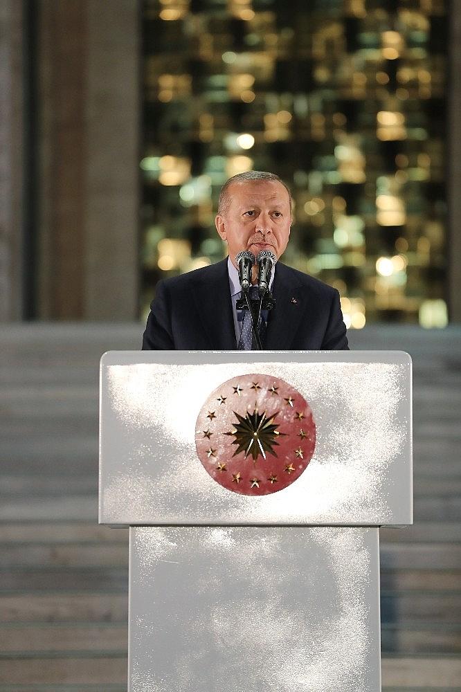 2019/05/cumhurbaskani-erdogan-gelin-buyuk-ve-guclu-turkiyeyi-birlikte-insa-edelim-20190521AW70-13.jpg