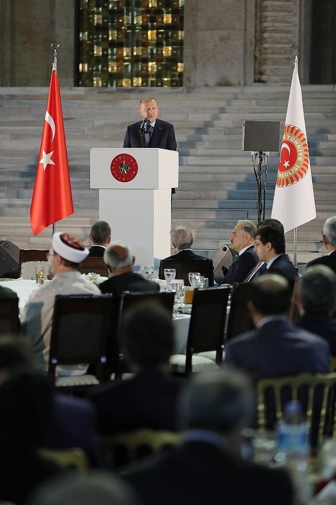 2019/05/cumhurbaskani-erdogan-gelin-buyuk-ve-guclu-turkiyeyi-birlikte-insa-edelim-20190521AW70-14.jpg