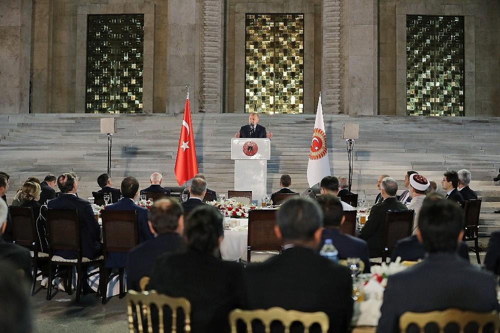 2019/05/cumhurbaskani-erdogan-gelin-buyuk-ve-guclu-turkiyeyi-birlikte-insa-edelim-20190521AW70-2.jpg