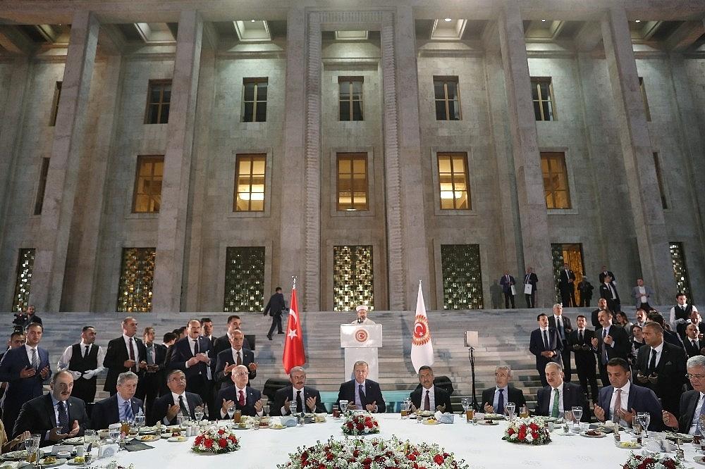 2019/05/cumhurbaskani-erdogan-gelin-buyuk-ve-guclu-turkiyeyi-birlikte-insa-edelim-20190521AW70-5.jpg