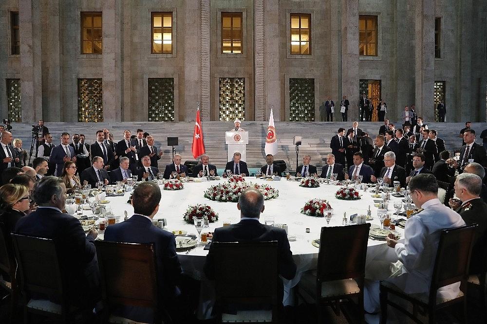 2019/05/cumhurbaskani-erdogan-gelin-buyuk-ve-guclu-turkiyeyi-birlikte-insa-edelim-20190521AW70-7.jpg