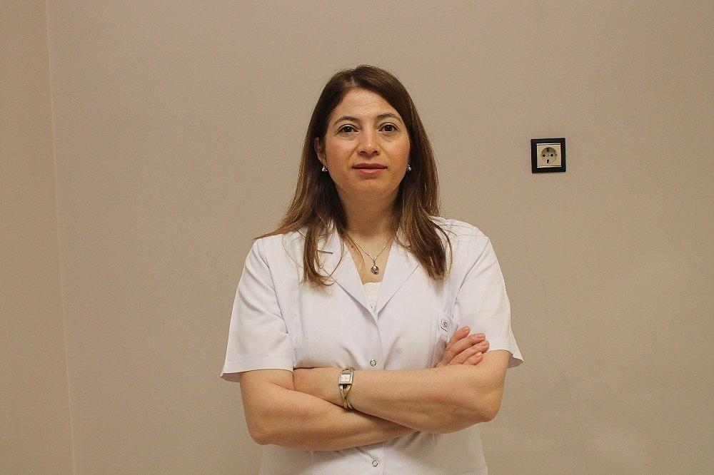 2019/05/dr-aysenur-cetisli-saglikli-cildin-en-onemli-kurali-dengeli-nem-oranidir-20190514AW70-1.jpg