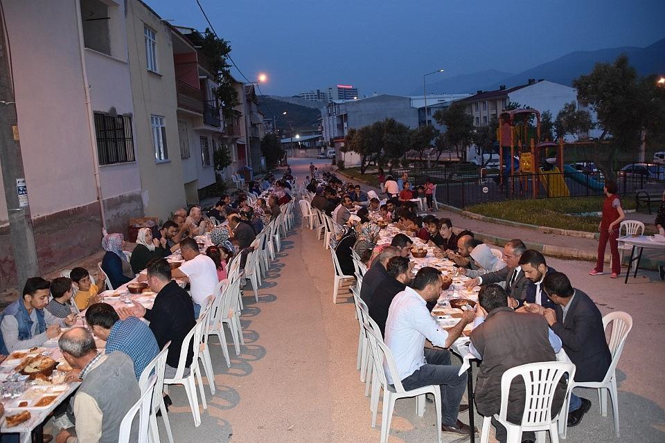 2019/05/esref-dincer-mahallesinde-iftar-bulusmasi---bursa-haberleri-20190515AW70-1.jpg