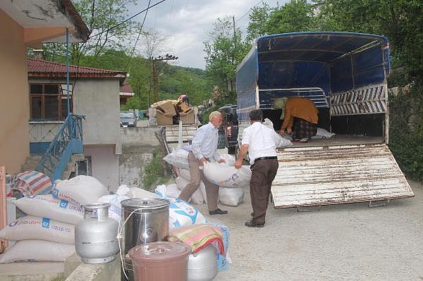 2019/05/heyelanli-mahalleden-gozyaslari-arasinda-tahliye-8c44c826bb39-4.jpg