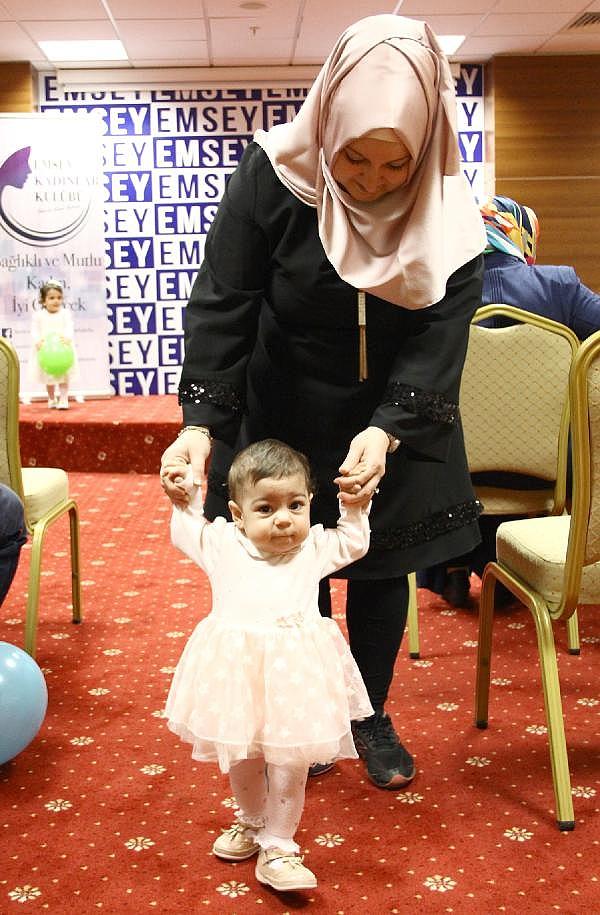 2019/05/ilk-defa-anneler-gununu-kutladi-14-yil-boyunca-anne-olmayi-istedi-69ebdddaf14c-4.jpg