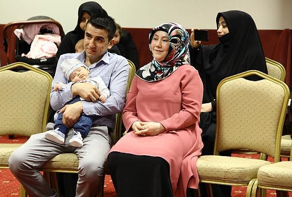 2019/05/ilk-defa-anneler-gununu-kutladi-14-yil-boyunca-anne-olmayi-istedi-69ebdddaf14c-7.jpg