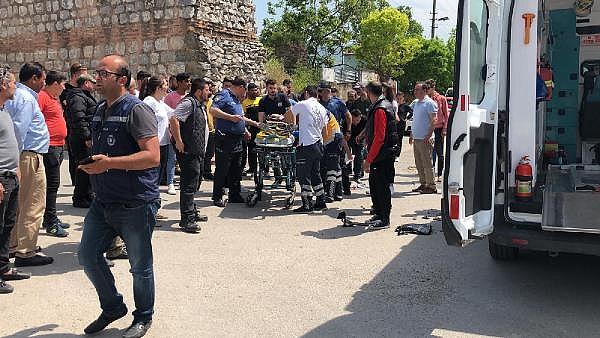 2019/05/kazada-esi-yaralandi-o-basindan-bir-an-olsun-ayrilmadi---bursa-haberleri-5069c93d14b7-4.jpg