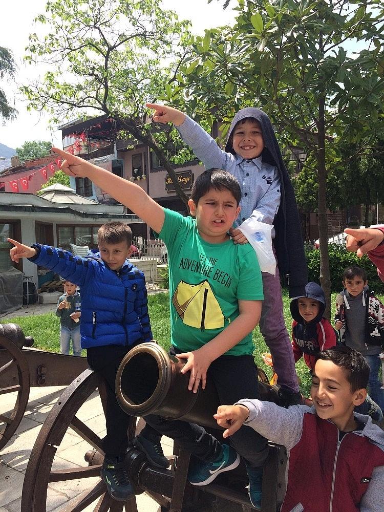 2019/05/okul-aile-birliginden-tum-ogrencilere-karne-hediyesi---bursa-haberleri-20190515AW70-6.jpg