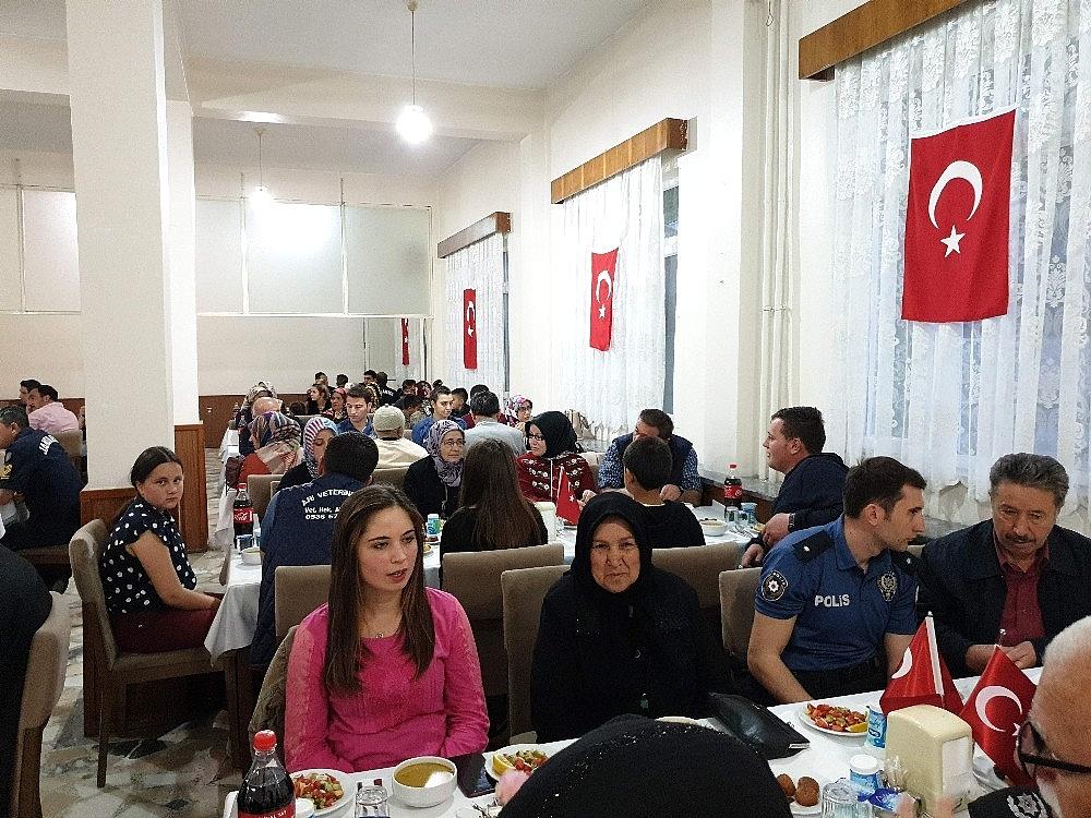 2019/05/orhanelide-sehit-ve-gazi-yakinlarina-iftar---bursa-haberleri-20190516AW70-3.jpg