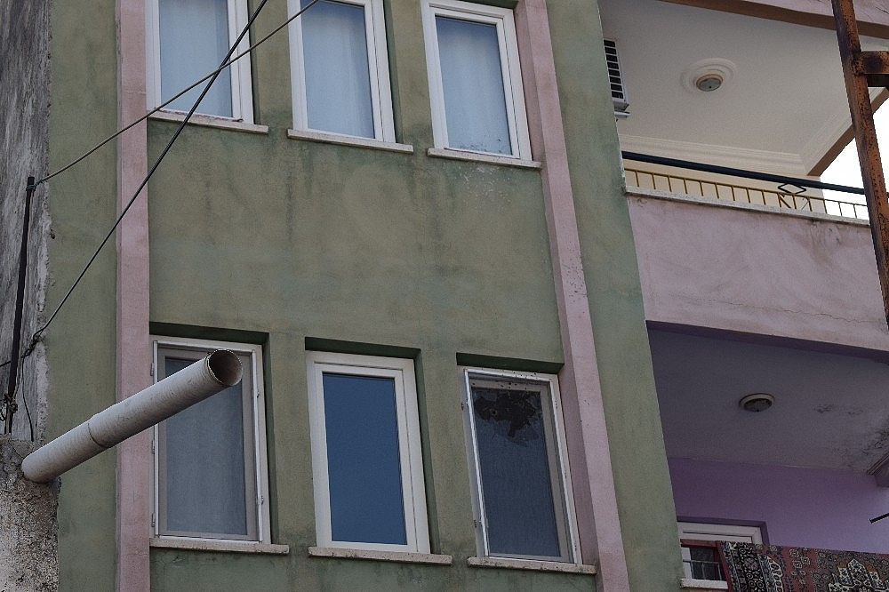 2019/05/pompali-tufekle-apartmana-saldirdilar-20190518AW70-2.jpg