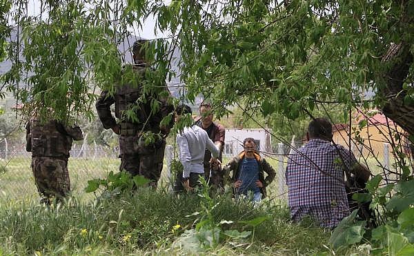 2019/05/silahla-intihara-kalkisti-firarisi-8-saatte-ikna-edildi-d7248be1ac35-1.jpg