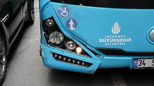 2019/05/sislide-taksiye-carpan-otobusteki-yolcu-yaralandi-72b1ec6c7e29-7.jpg