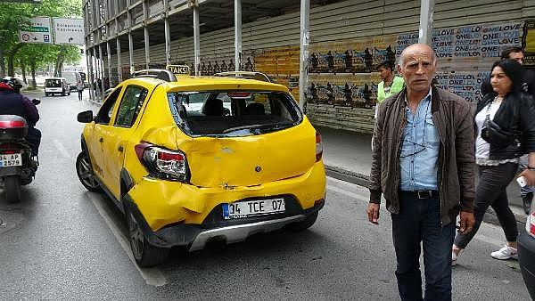 2019/05/sislide-taksiye-carpan-otobusteki-yolcu-yaralandi-72b1ec6c7e29-8.jpg