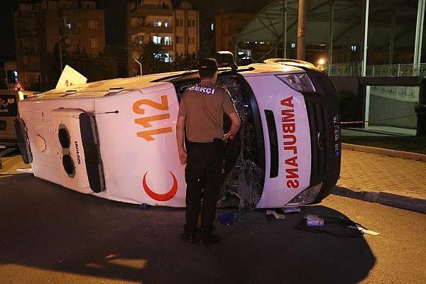 2019/06/ambulans-ile-otomobil-carpisti7-yarali-be592b91476f-9.jpg